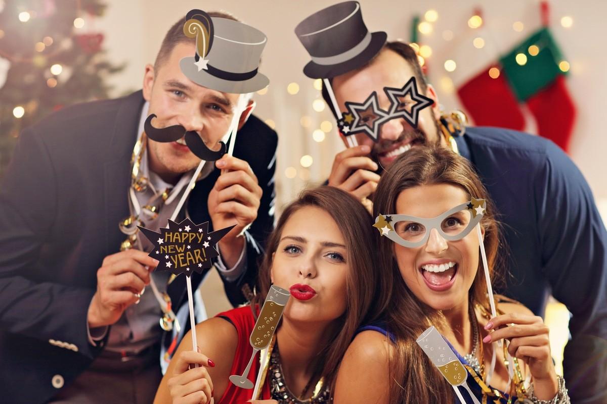 Тематические вечеринки на Новый год 2020 — ТОП 10